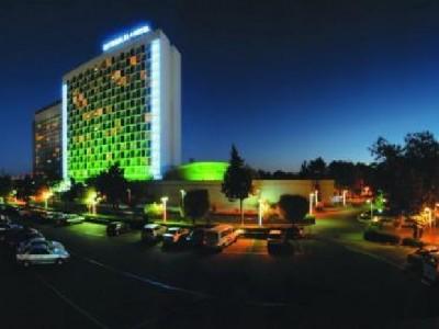 esteghlal-hotel-tehran